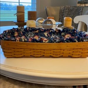 Great condition Longaberger basket!